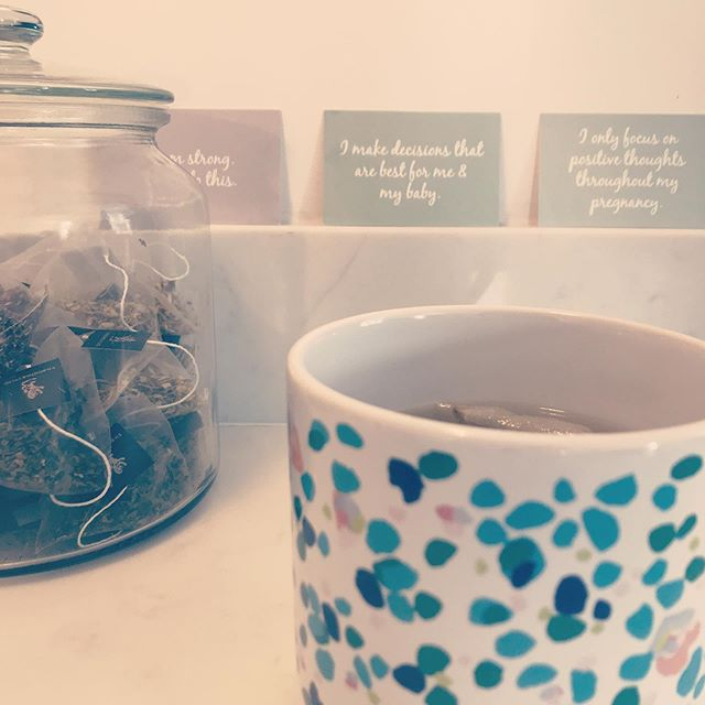 Raspberry leaf tea & affirmations ✨ Currently focusing quietly on building my confidence for this birth and getting ready to meet our babe.  I definitely have more anxiety this time, for lots of reasons but it helps so much to reinforce all those positive thoughts with daily affirmations, deep breaths and a little bit of nesting 💕