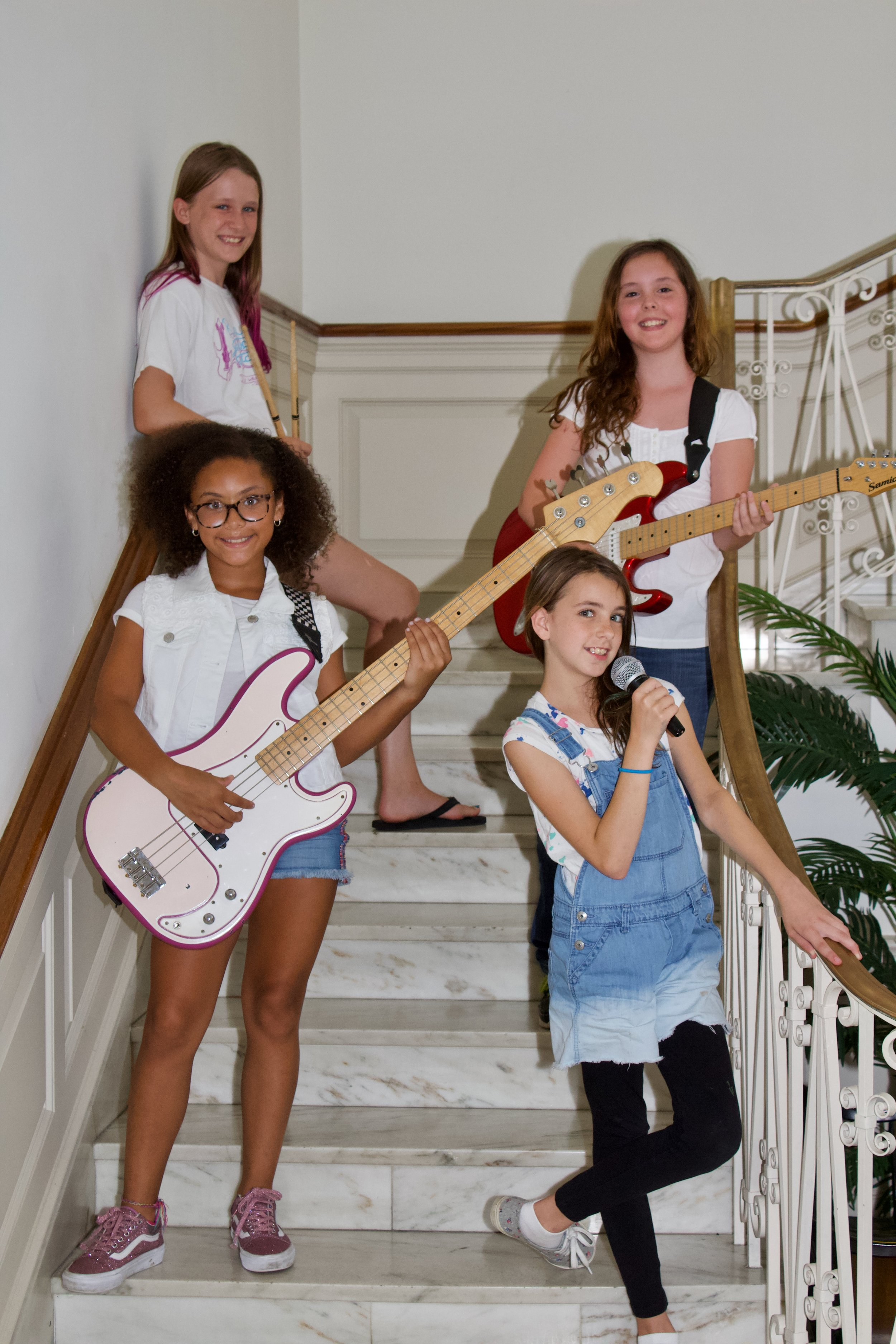 watch Rock Queens perform their song   here  !