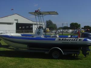 Hysucat Dive Boat.jpg