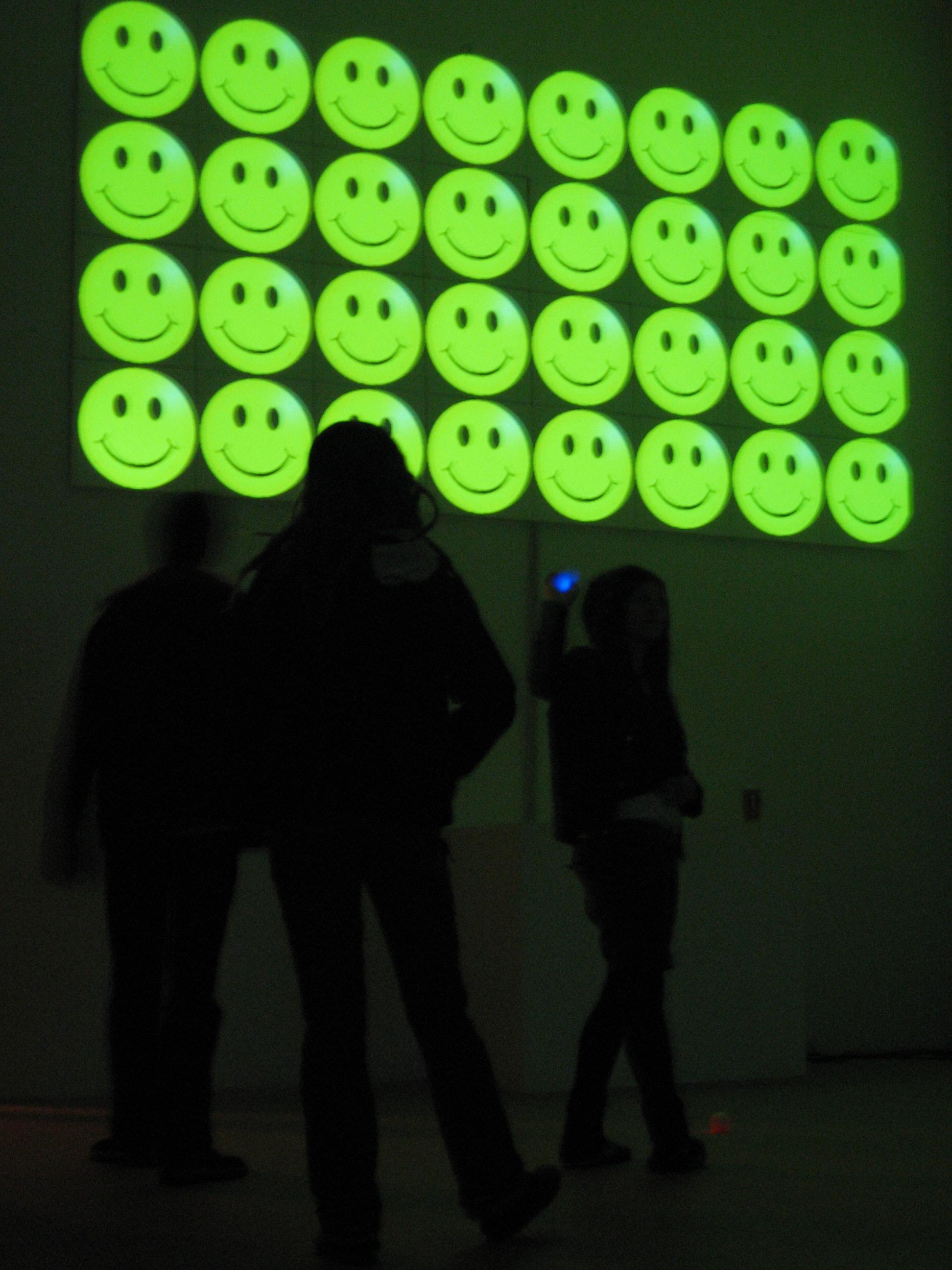 Kammer Machen #2  – annual arts festival, Chemnitz, East Germany, 2008. Work:   [wɔ:l bɔ:l]  - interactive installation .