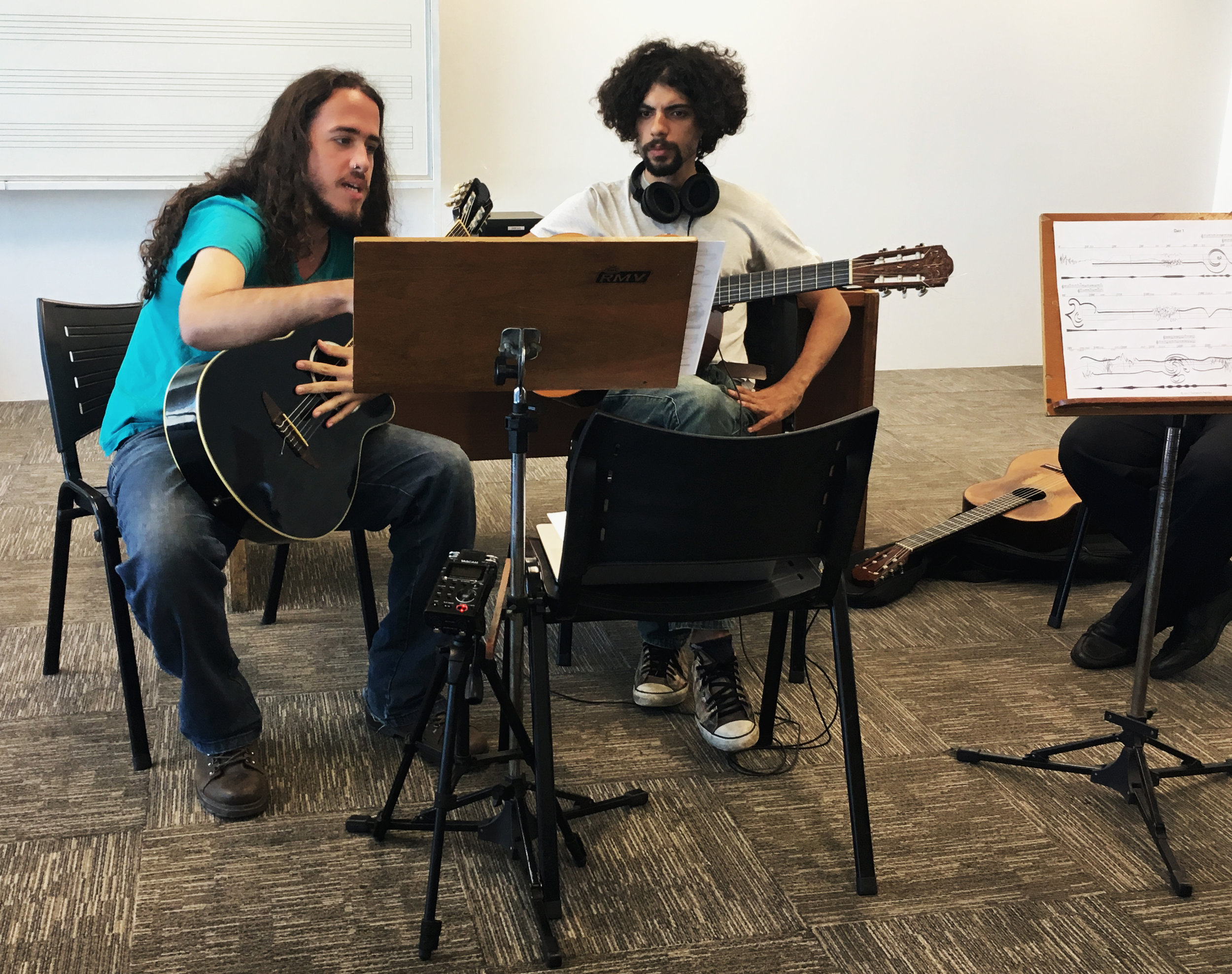 School of Music – Federal University of Rio de Janeiro; Brazil, December 2017.   Day 1   –  Experimental Music Workshop