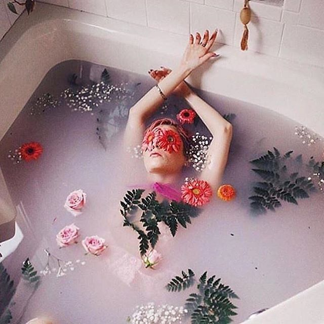 #MOOD 🛀🌸 📷 @singlegirlcrush