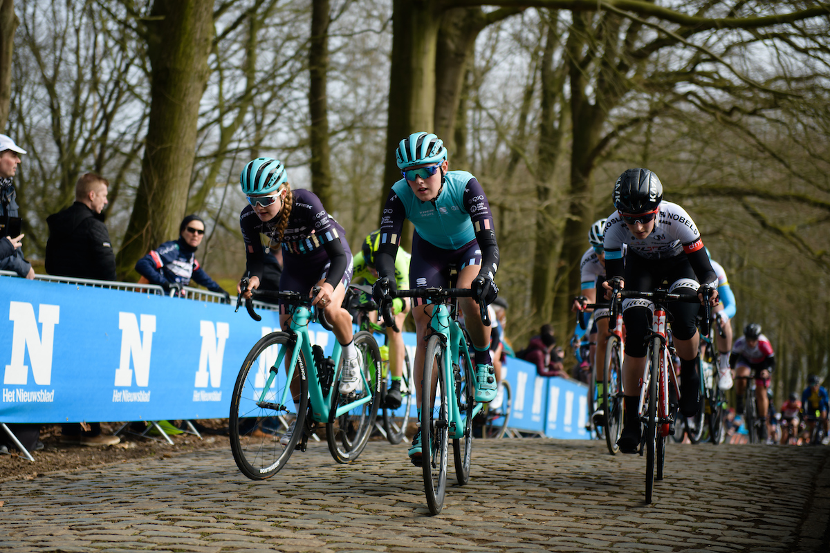 Lizzie Holden (GBR) and Abi van Twisk (GBR) on the Kemmelberg at Gent Wevelgem Elite Women 2018 - a 143 km road race from Ieper to Wevelgem on March 25, 2018. Photo by Sean Robinson/Velofocus.com