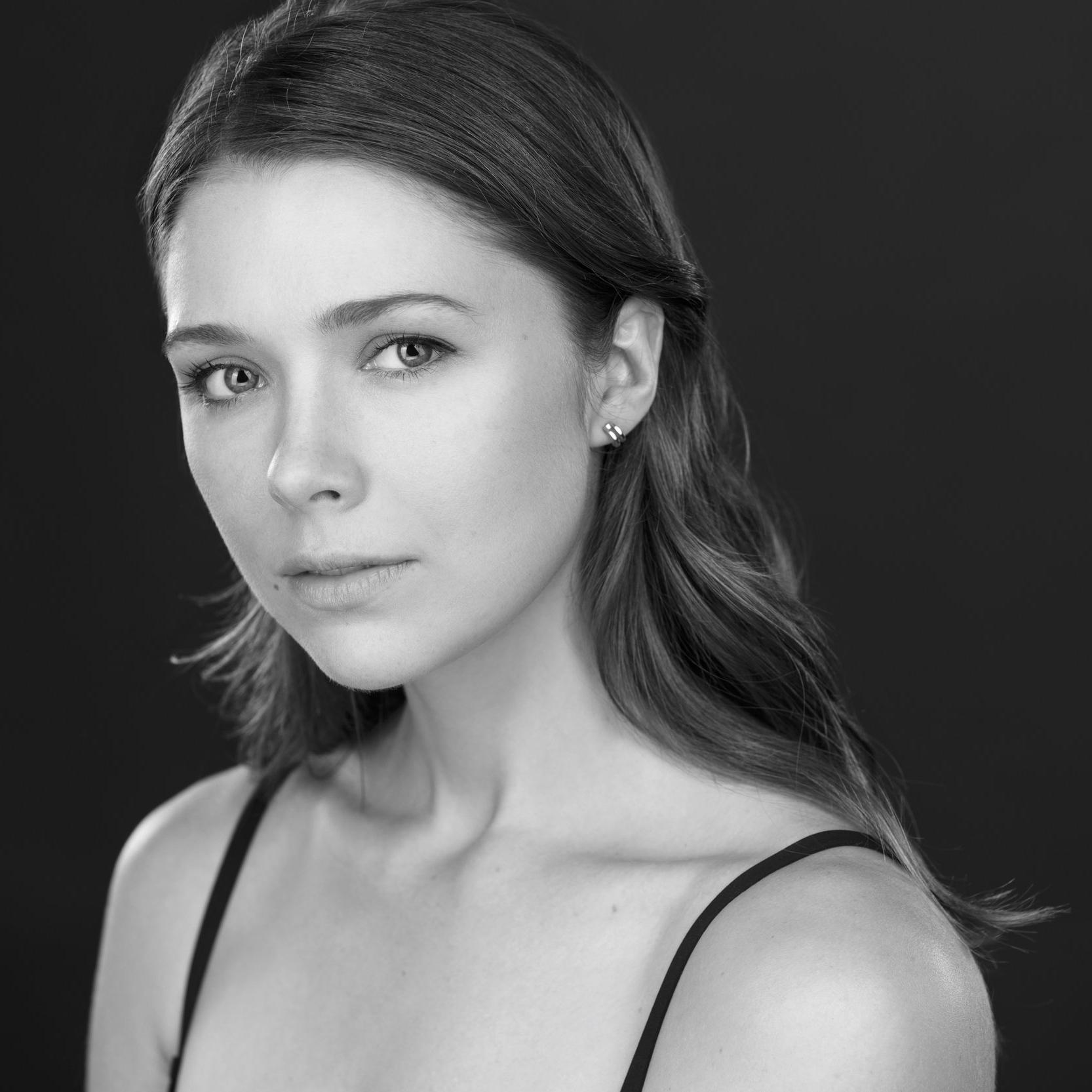 Rebeca Robles / Producer, Actor (Karla)