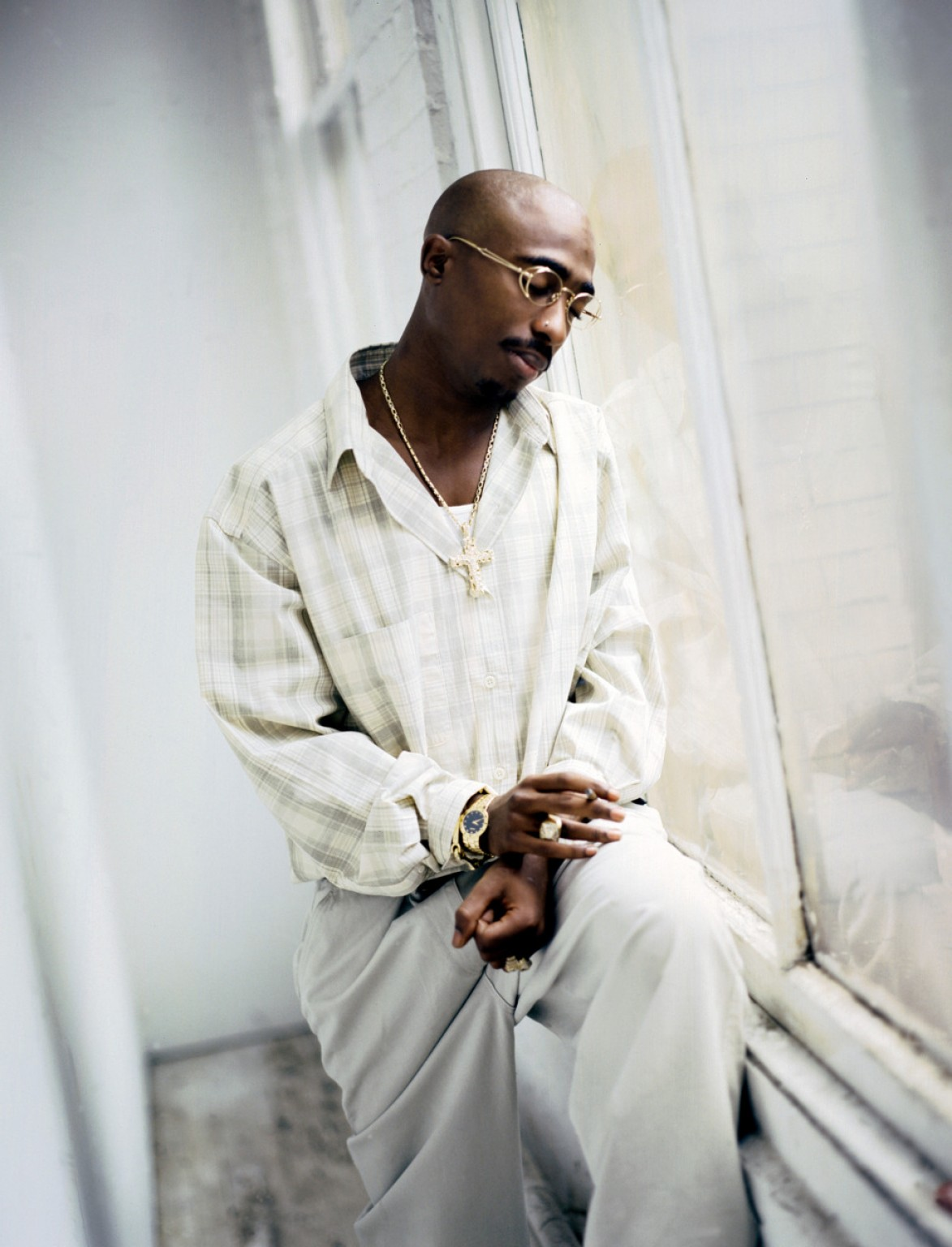 the-top-style-moments-from-tupac-shakur.jpg