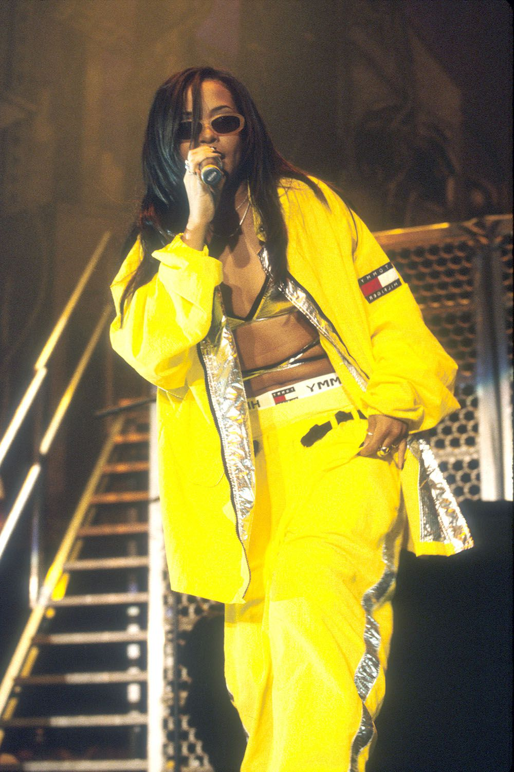 hbz-aaliyah-best-looks-gettyimages-111226388.jpg