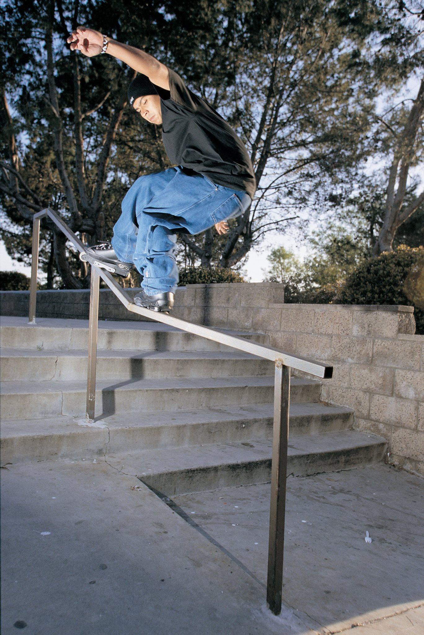 This shot of Jon Julio was taken a few months after the original 50/50 frame ad and features a black juice system with his pro model grindplate. This was very close to what his USD Throne ended up as.