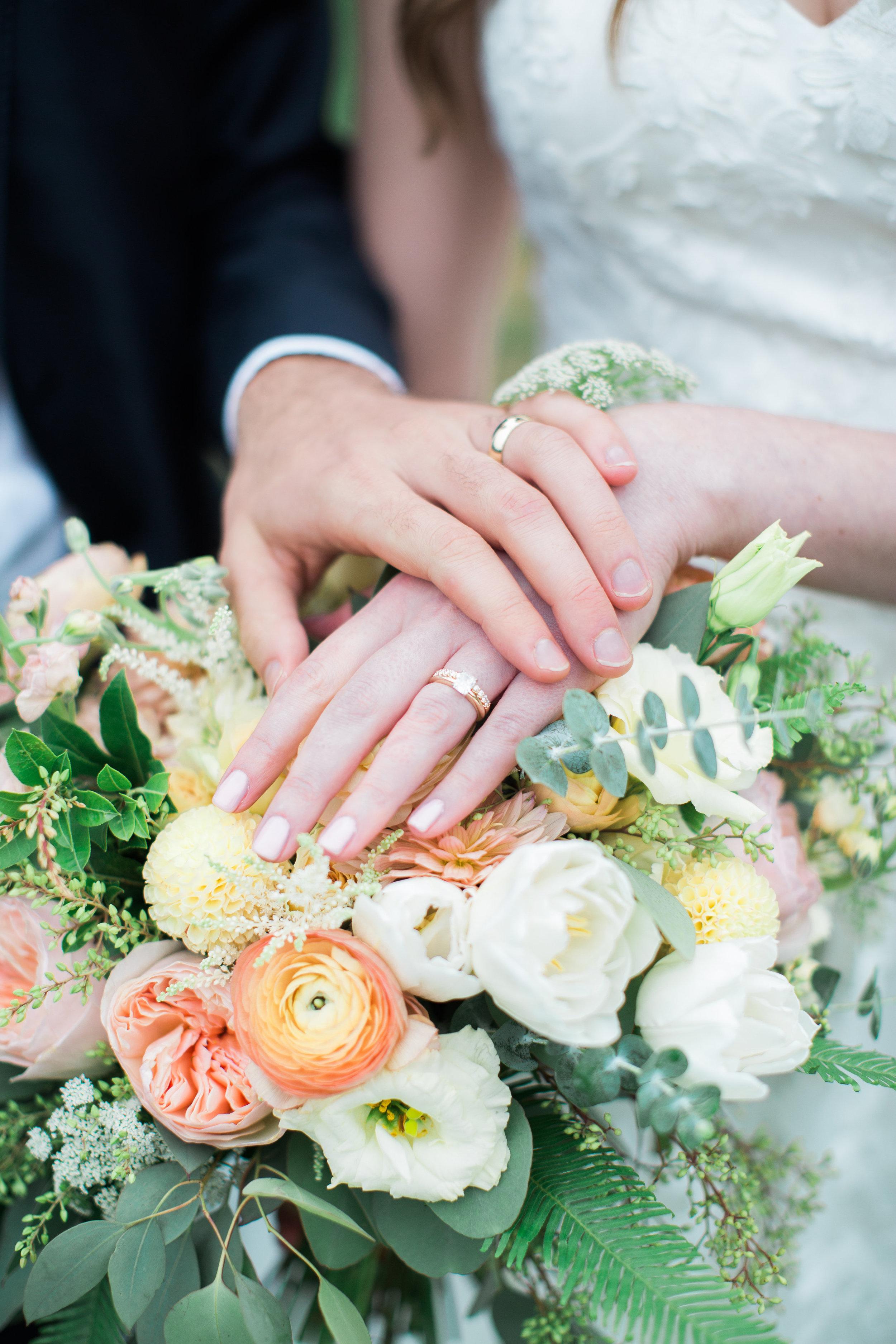 Allie Gabe s wedding-Favorites-0146.jpg