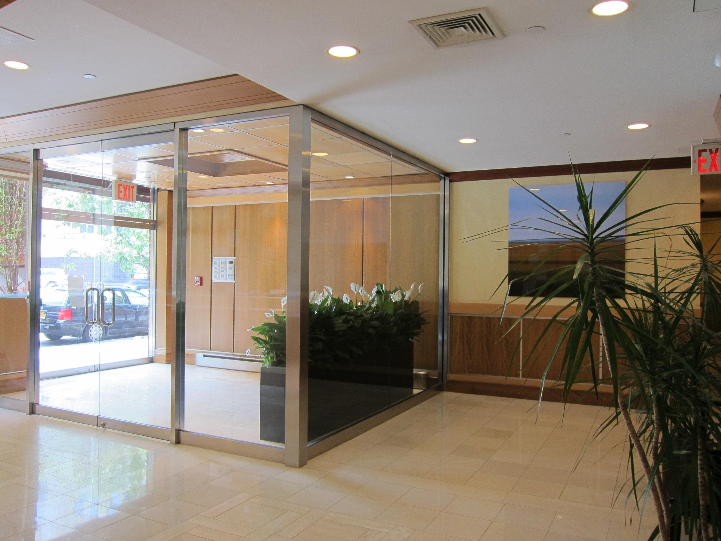 Lobby & Entryway