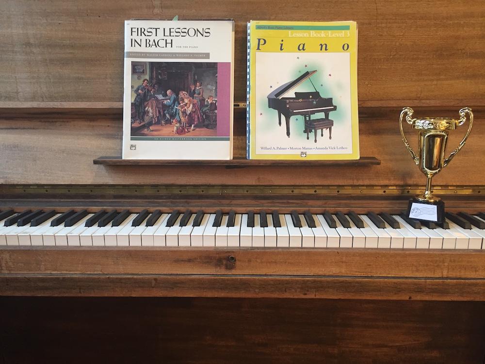 3_Piano.JPG