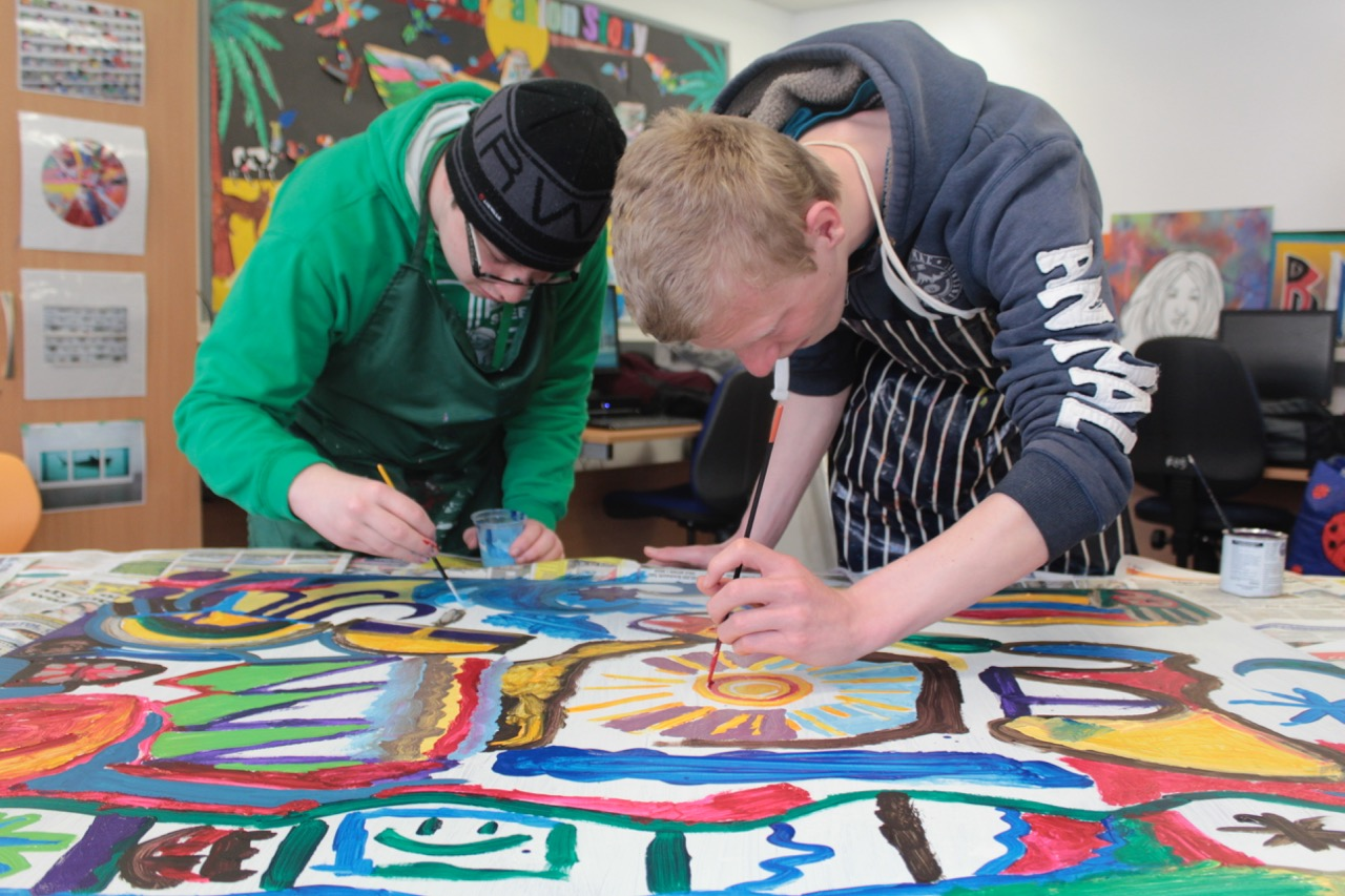 Collaborative painting engagement sessions are fully accessible and inclusive