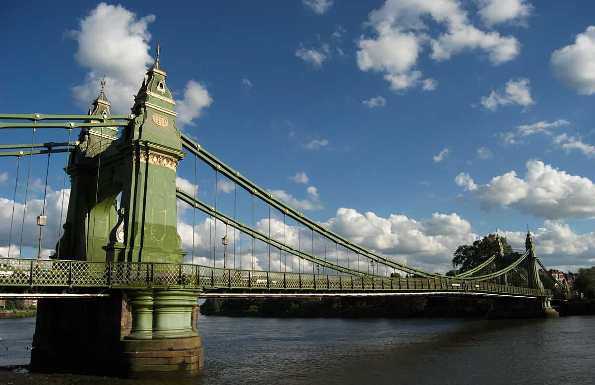 freelondon hammersmith bridge.jpg