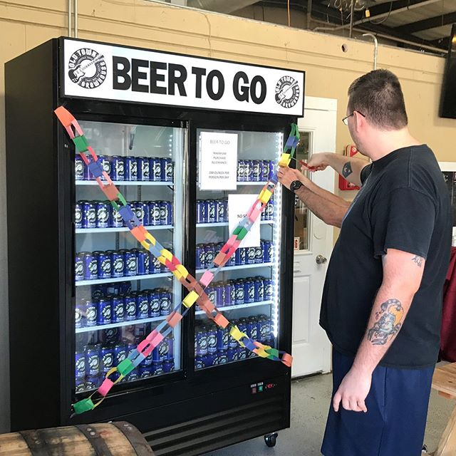We at Old Town Brewhouse would like to thank all of our loyal, local customers that came out yesterday and helped us celebrate beer to go day. We cut the chain at noon and enjoyed a full day of hanging out with our friends. Thank you all. #friends #drinklocal #beertogo