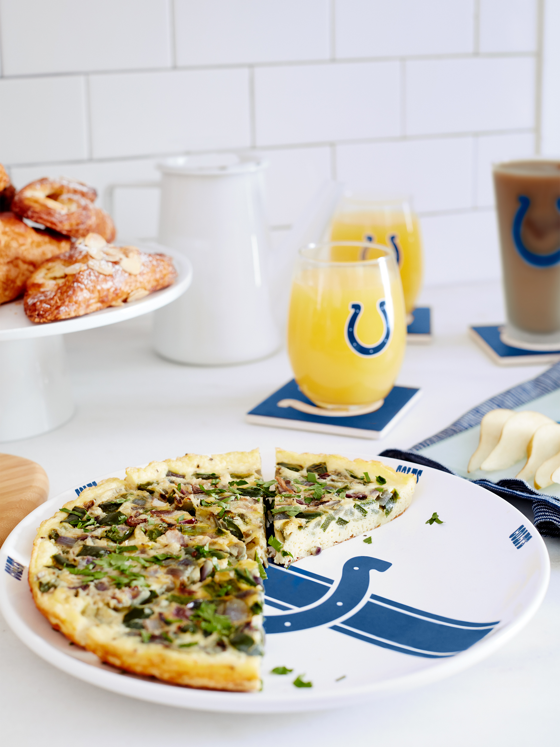 LIVING_ROOM_BRUNCH_COLTS_164.jpg