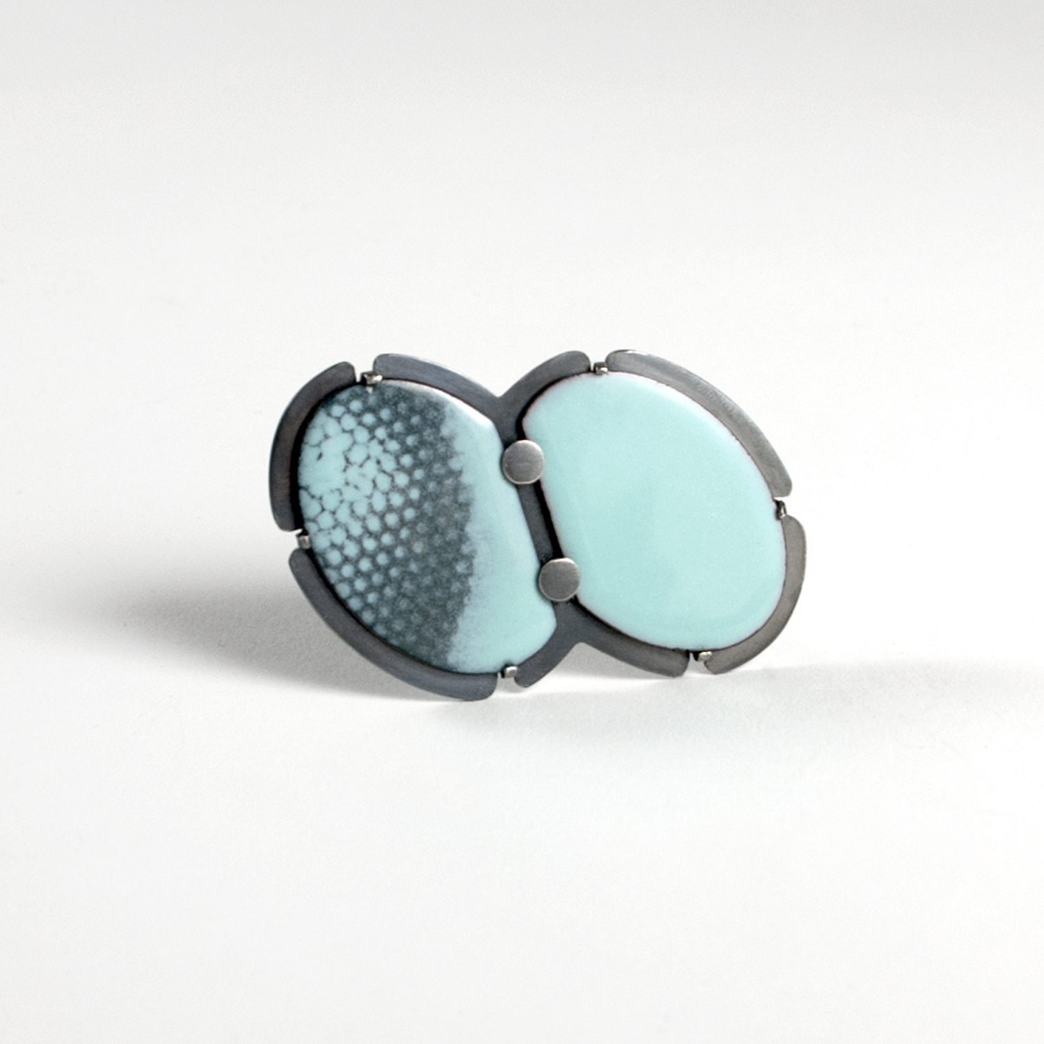 brooch-blue-dot-close.jpg