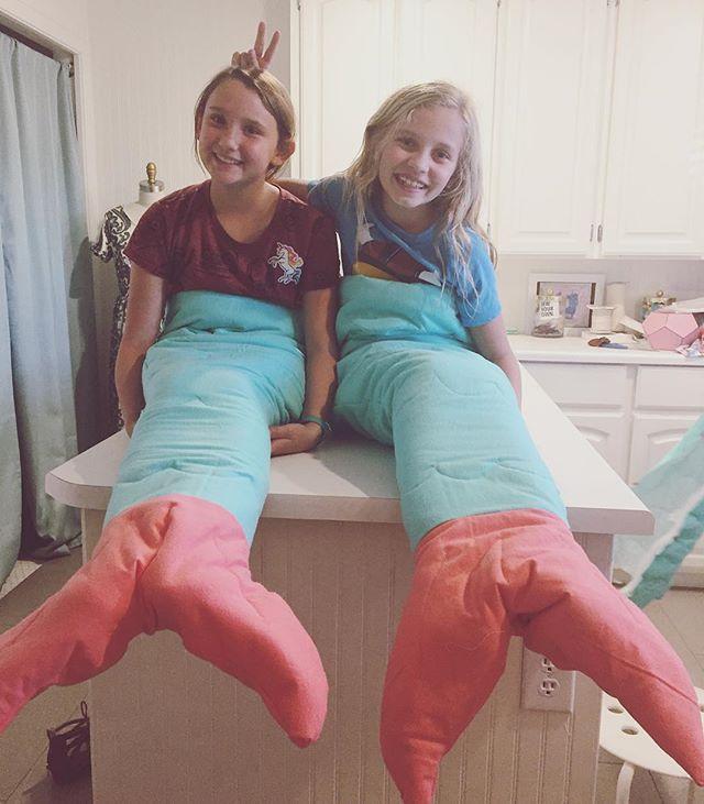 Mermaid cousins 🧜🏻♀️🧜🏻♀️