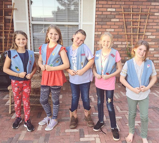 These cuties look amazing in their newly made vests 😍.