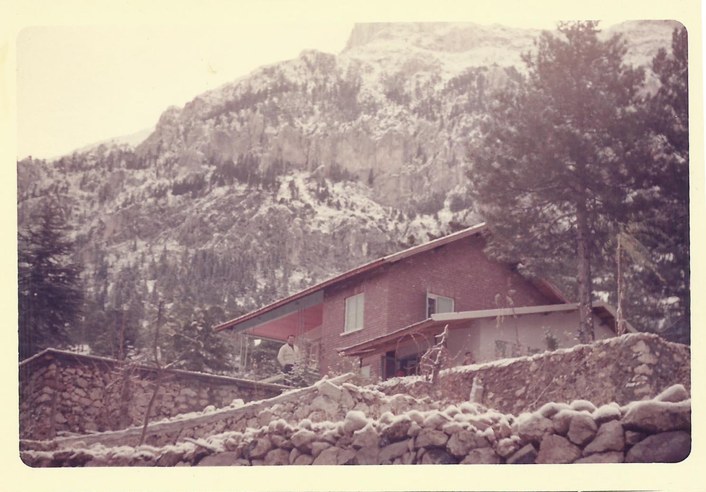 Upland house / Yayla evi.Courtesy of artist / sanatçının izniyle. 1960.