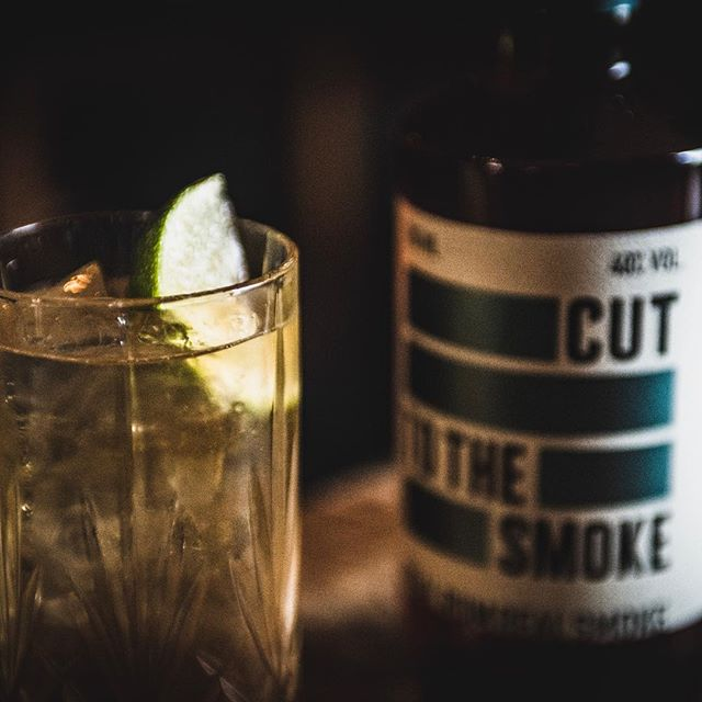 CUT SMOKED RUM ~~~ dark and delicious just like our next long drink  SMOKE STORM 50 ml Cut Smoked Rum  200ml Ginger Ale  2 wedges of Lime  Ice  Nice and simple  #smokedrum #rum #picoftheday #insta #instagram #instagood #newrum #cuttotherum #cutrum #cocktails #tasty #bartenderlife #whatsgood #newdrinks #darknstormy #drinks