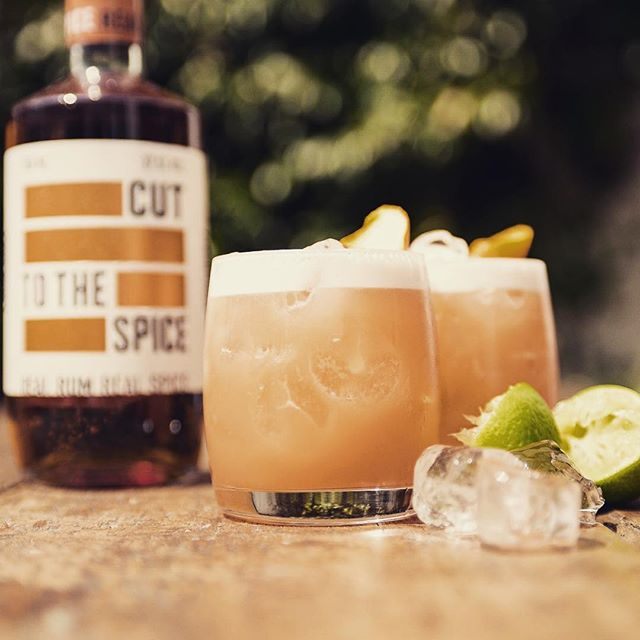 CUT SPICED RUM ~~~ #COCKTAIL FOR THE SUNSHINE  Sugar Mama 50ml Cut Spiced Rum  10ml Campari  20ml Orgeat Syrup  30ml Lime Juice  40ml Pineapple Juice  #spicedrum #rum #cuttotherum #instagram #insta #picoftheday #cocktails #bartenderlife #mixeddrinks #tasty #newrum