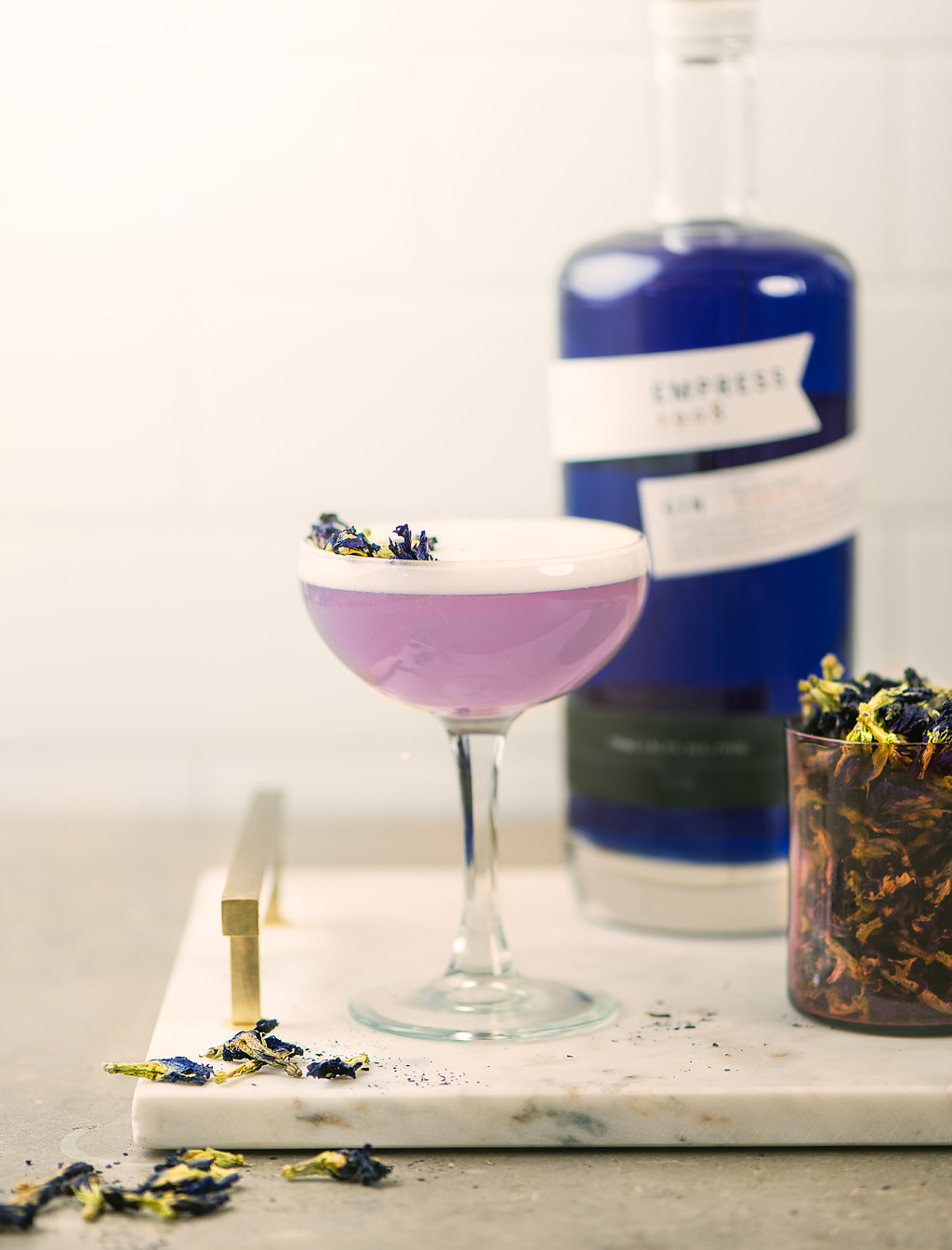 Q1908 Victoria Distillers Empress Gin