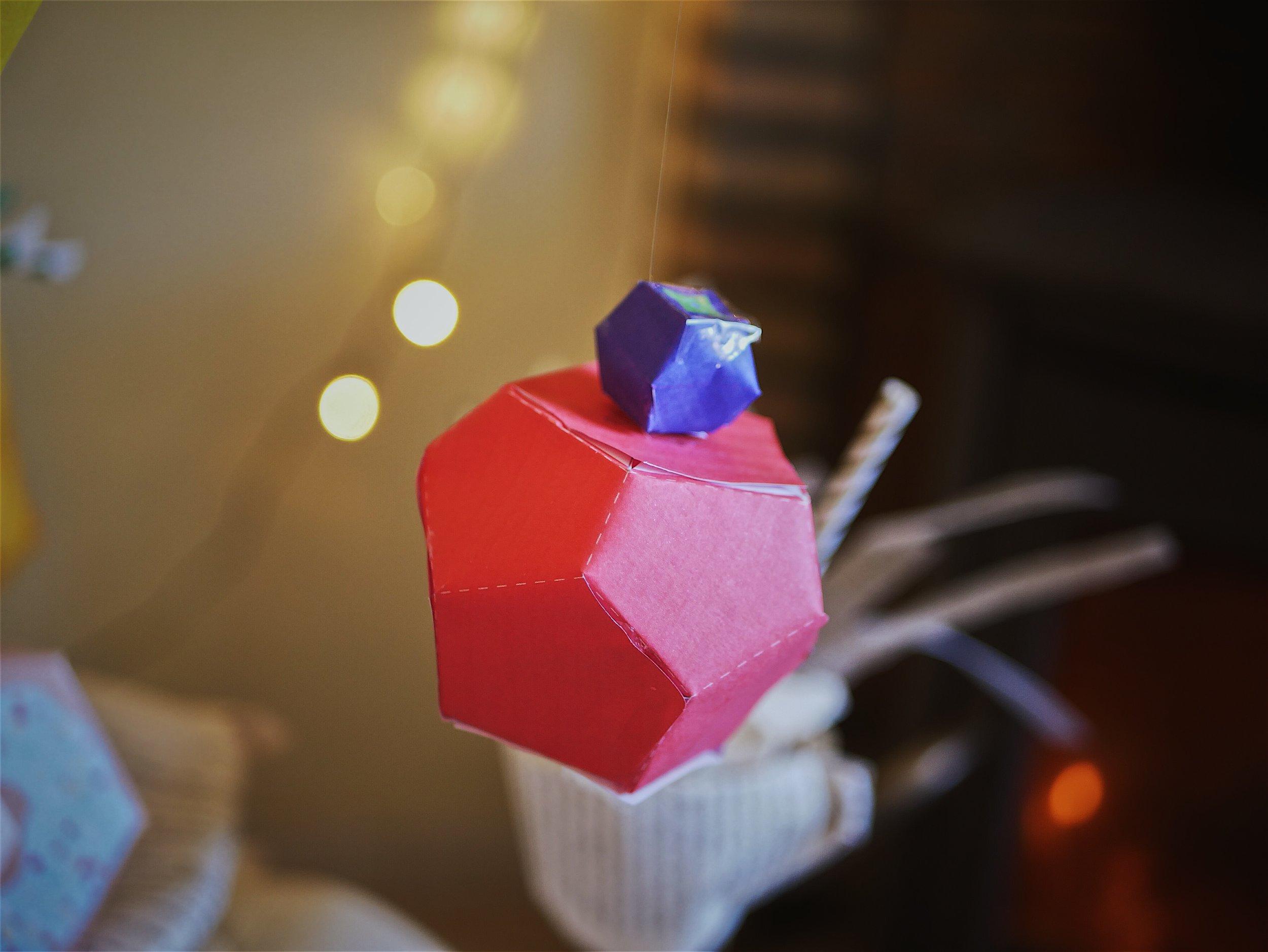 paper apple - paper cupcake