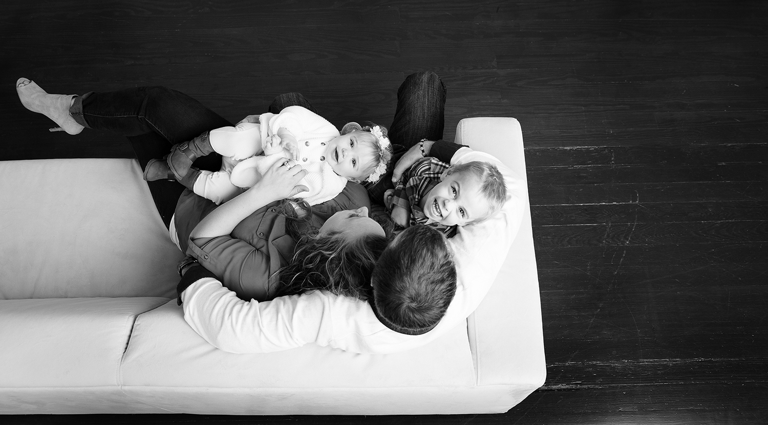 Yorkshire Ohio, indoor session, studio session, black and white photography, candid family, candid family photography