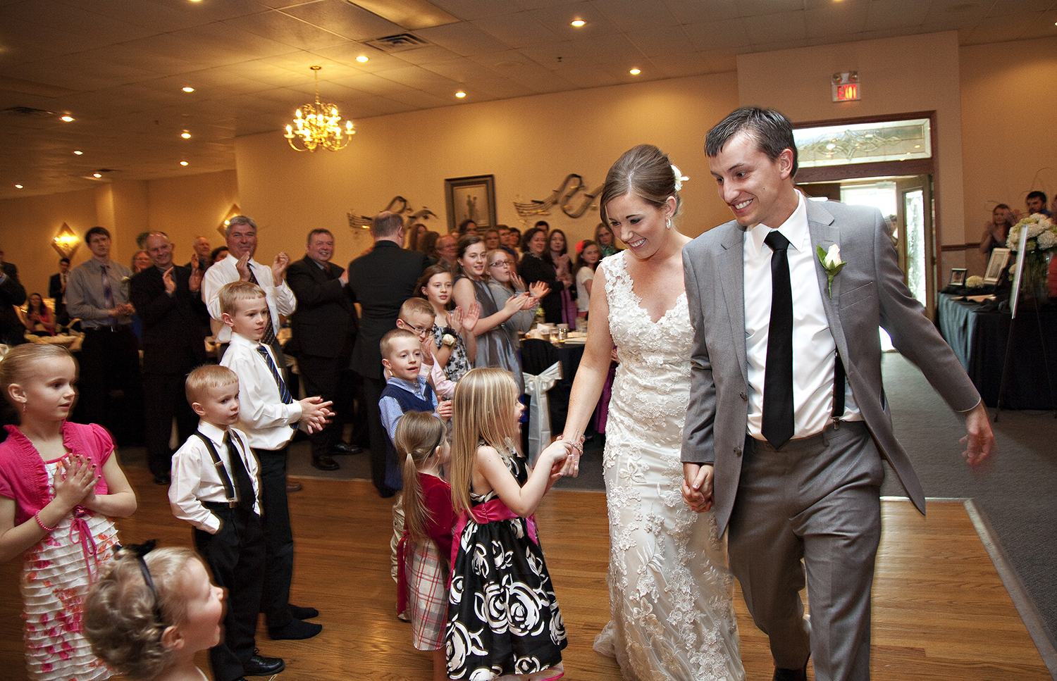 St Henry Ohio, Romer's Catering, reception photography, storytelling photography