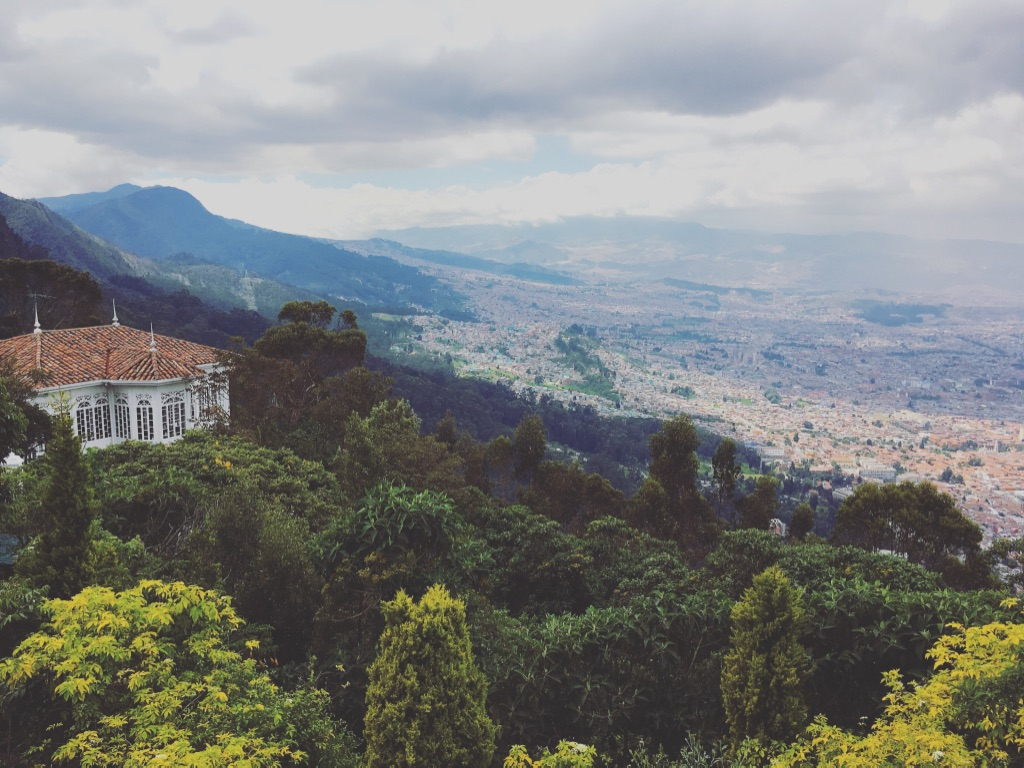 Bogota is also beautiful from above. And I learned that there's a synonym for cable car 🙄  #funicular   #monserrate   #mountainview   #cityview   #bogota   #colombia   #yearoftravel   #travelblog   #pathunwritten