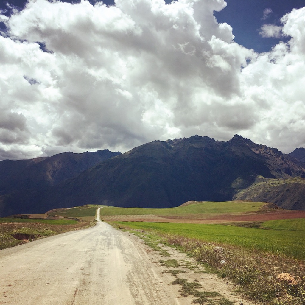de Maras, Moray and Chinchero - is it bad that the drive was probably my favorite part?  #salinasdemaras   #moray   #chinchero   #cusco   #peru   #daytrip   #dirtroads   #beautifuldrive   #yearofttavel   #solofemaletravel   #travelblog   #naturetravel   #pathunwritten