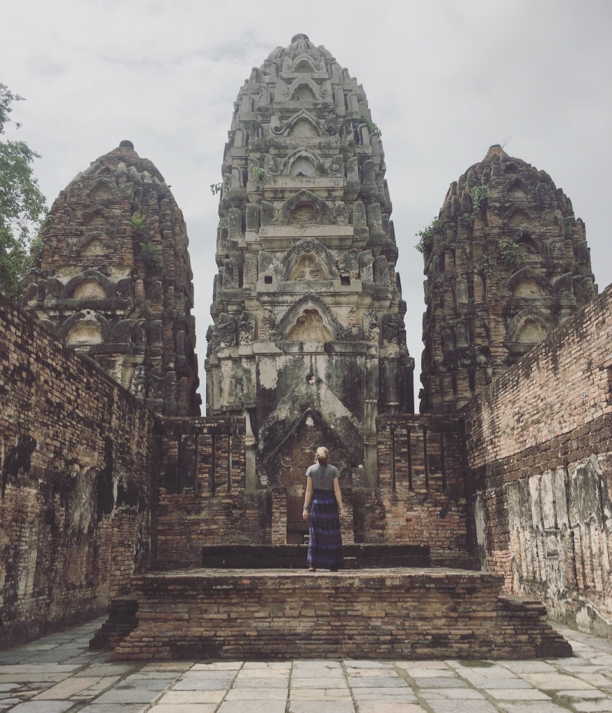 I've been blown away by Thailand: the stunning temples, amazing food, and truly lovely people. So thankful for my weeks here 😊 🇹🇭  #thailandtravel   #sukhothai   #templeattire   #templetourism   #seasiatravel   #solofemaletravel  #yearoftravel   #travelblog   #pathunwritten