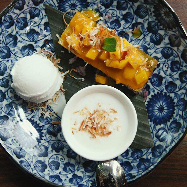Our dessert menu also features traditional Thai desserts, like this mango sticky rice. Time to let your taste buds travel. __________ Notre menu desserts comprend également des desserts thaïlandais traditionnels, comme ce riz collant à la mangue. Laissez voyager vos papilles gustatives.