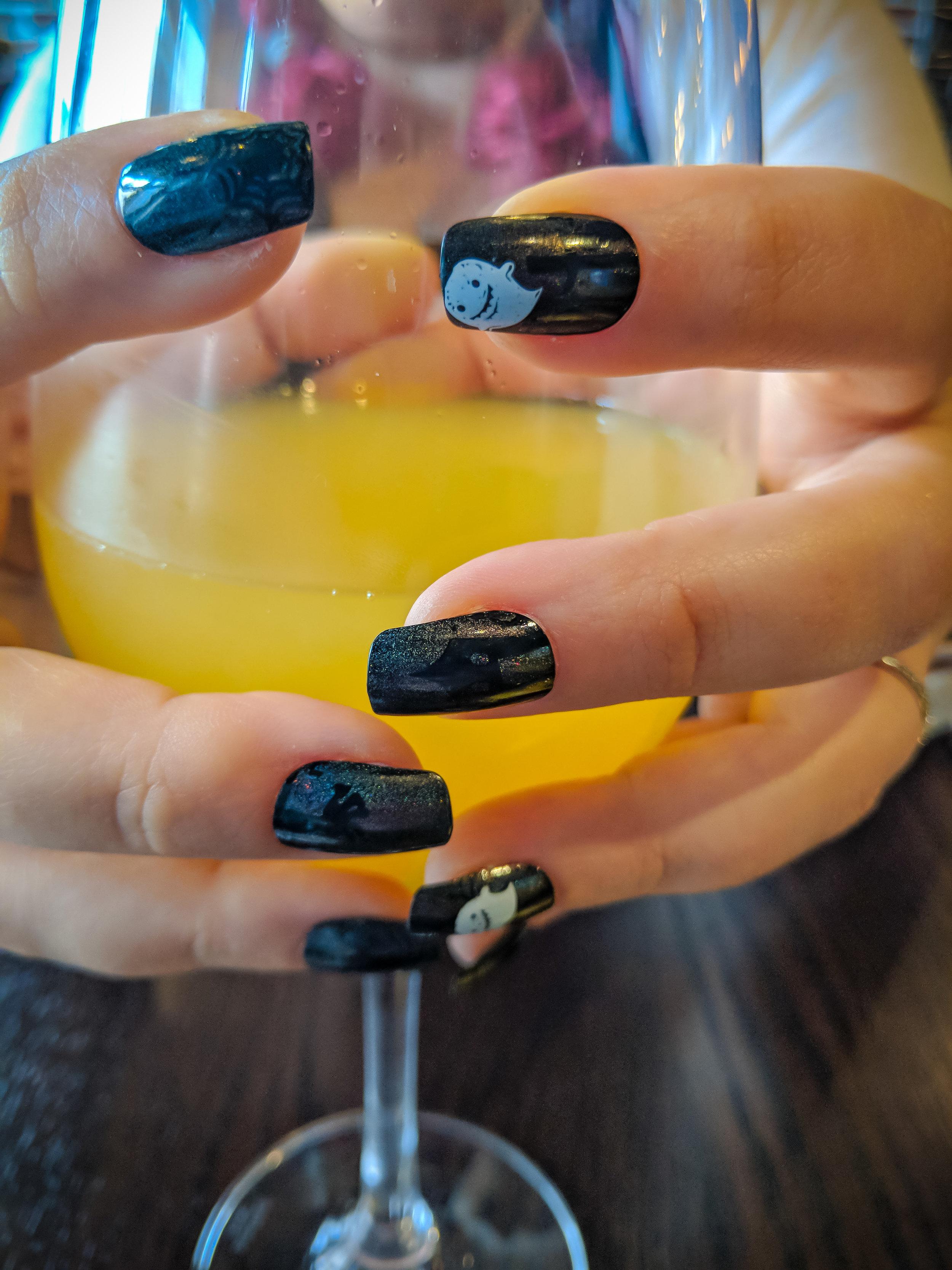 Nail art and mimosa's at Kingfish.