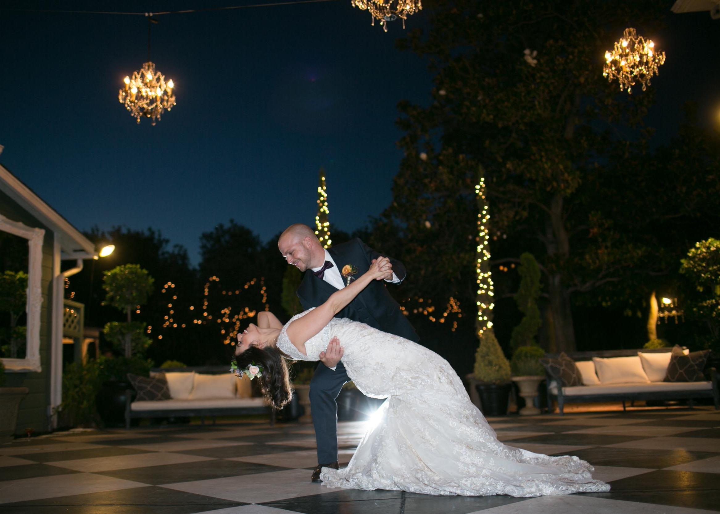 christmas-house-inn-wedding-venue-dancing-gallery-08.jpg