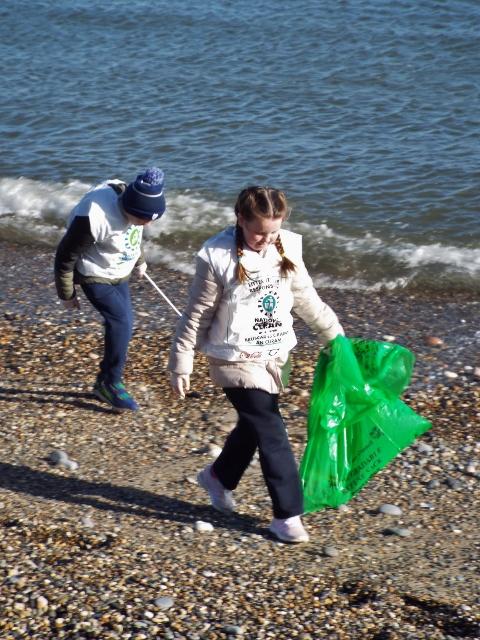 Beach clean 009 (480x640).jpg