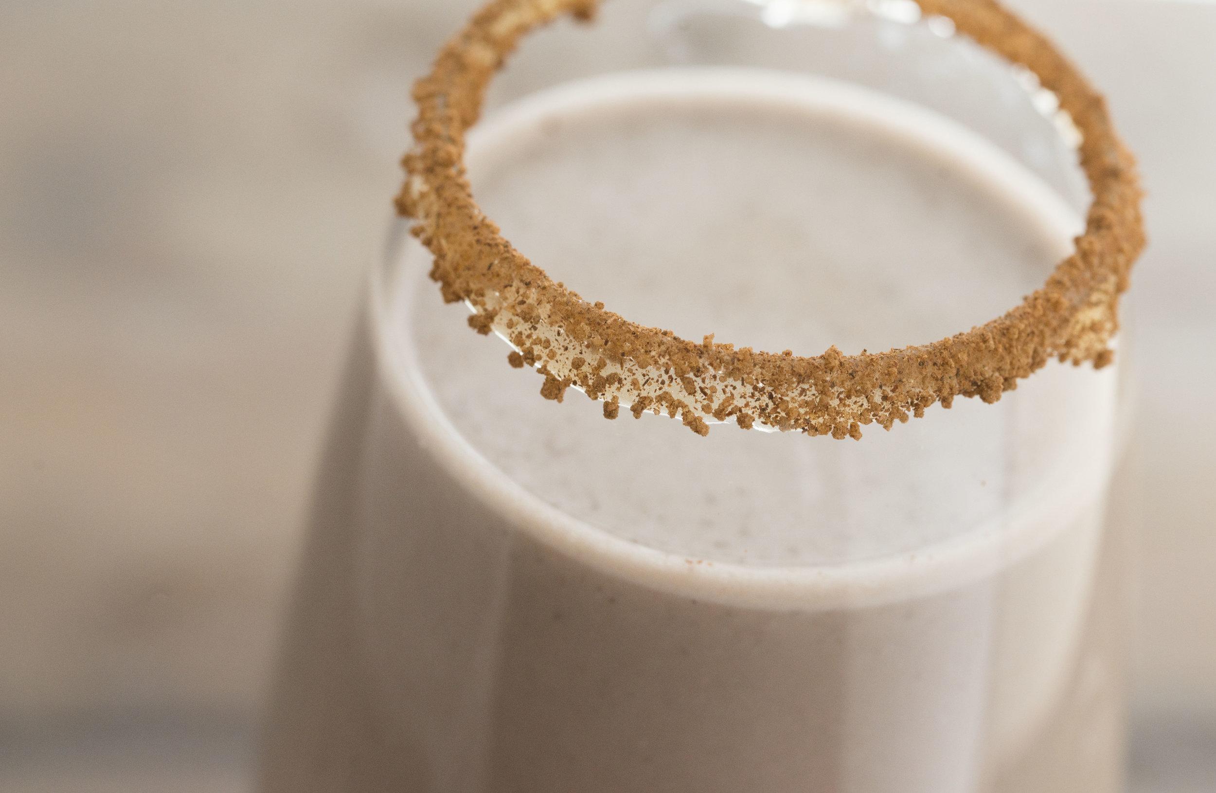 mixed-and-measured-raw-chocolate-cashew-milk-2.jpg