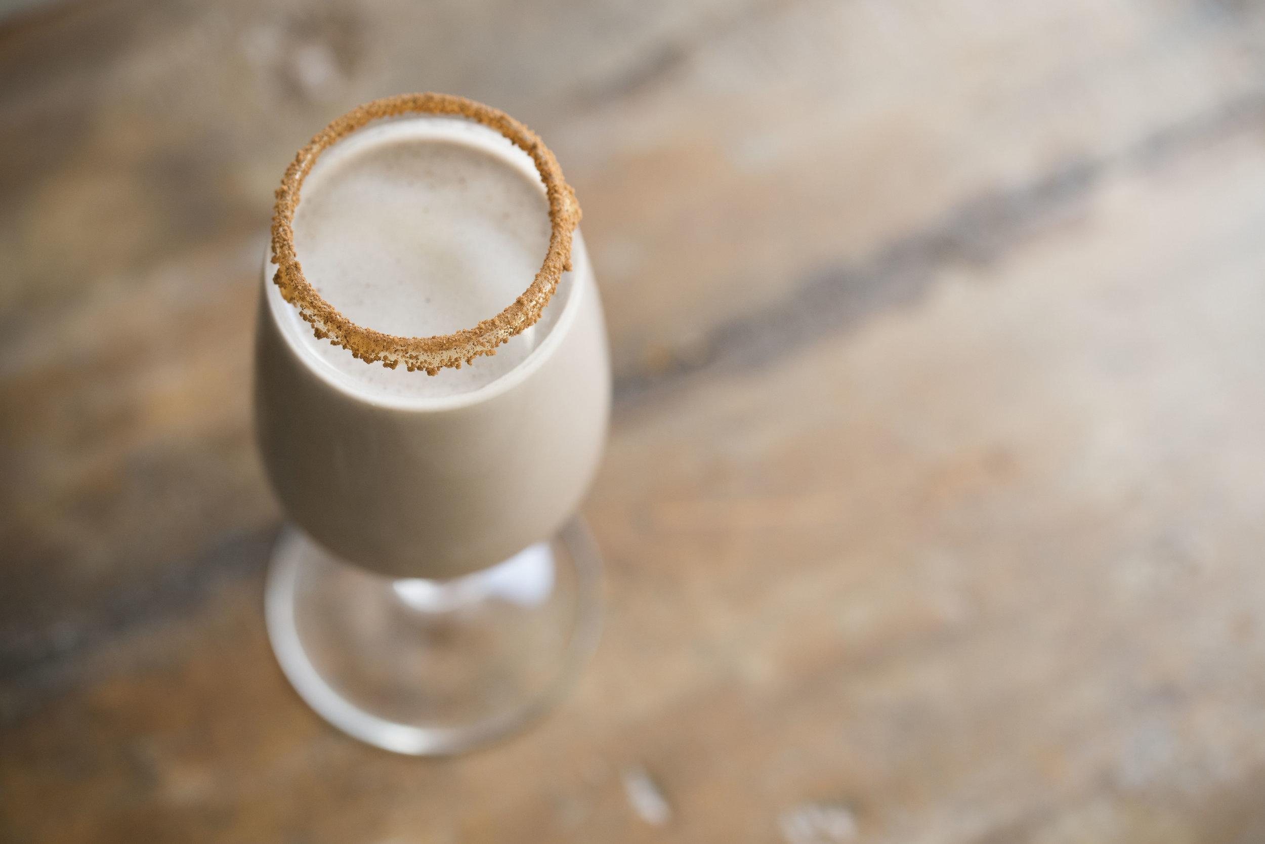 mixed-and-measured-raw-chocolate-cashew-milk-5.jpg