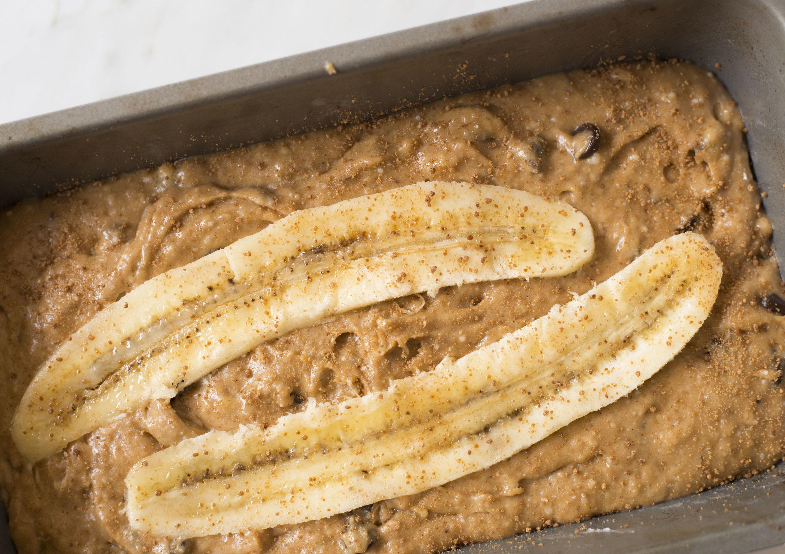 mixed-and-measured-healthy-chocolate-chip-banana-bread-recipe3.jpg