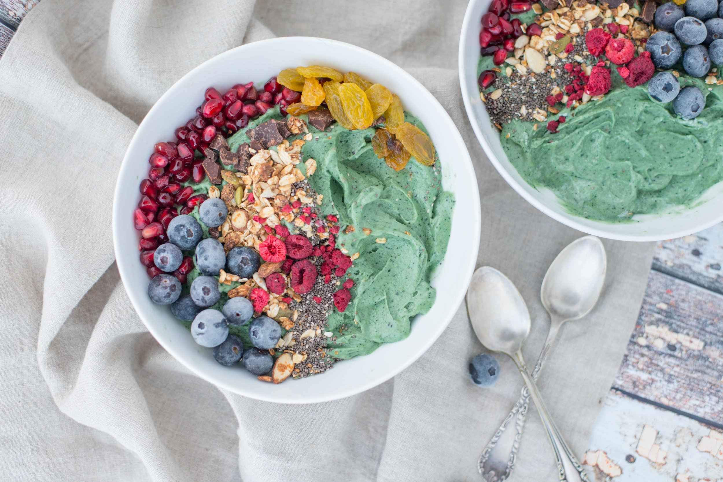 DSC_6559_Riley_Yahr_Spirulina_Smoothie_Bowl.jpg