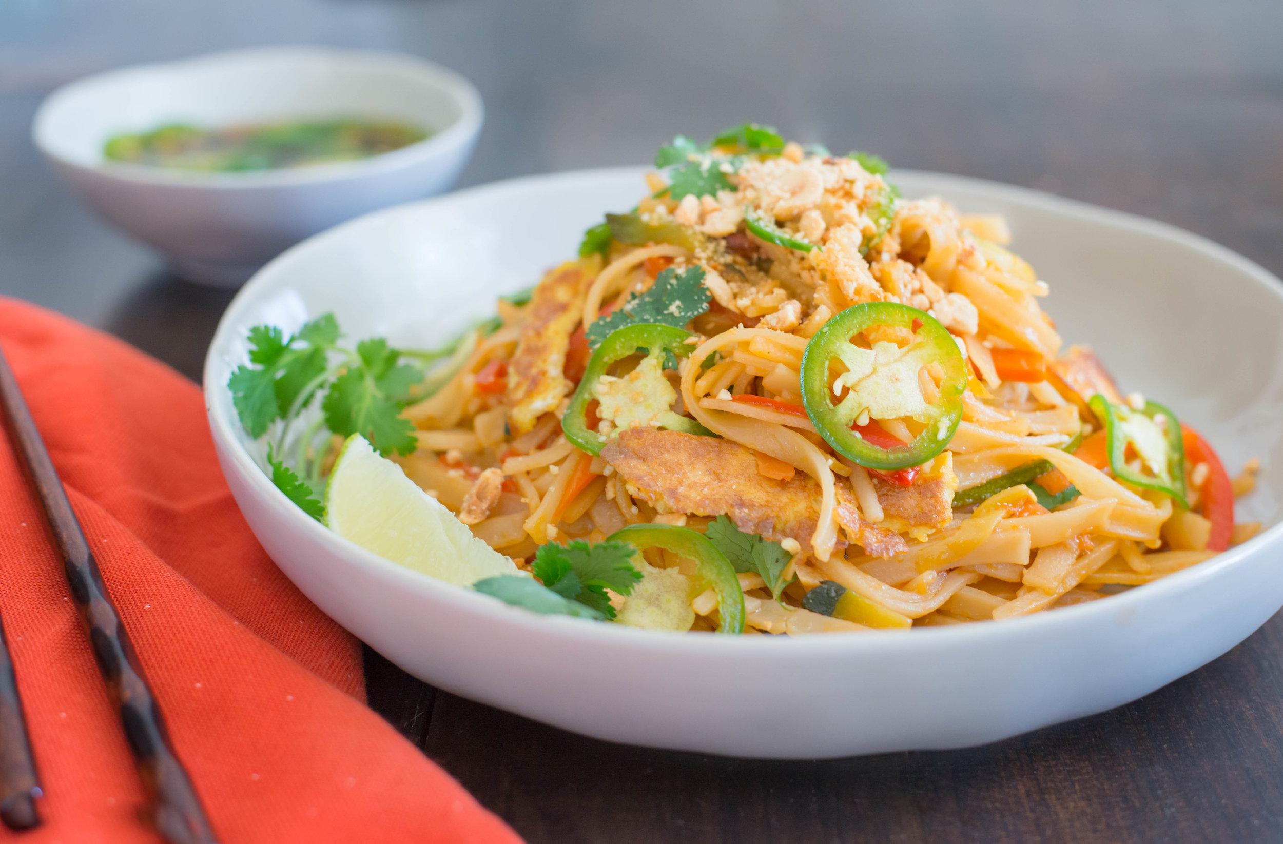 Mixed And Measured | Vegetarian Food Blog by Riley Yahr | Vegetarian Pad Thai