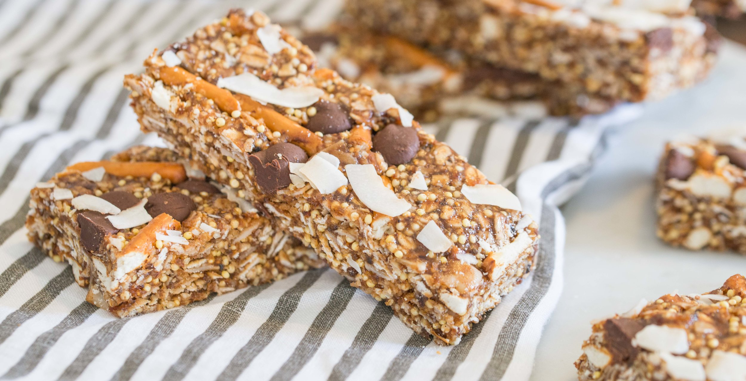 Mixed And Measured | Vegetarian Food Blog by Riley Yahr | Chewy Chocolate Coconut Pretzel Millet Granola Bars