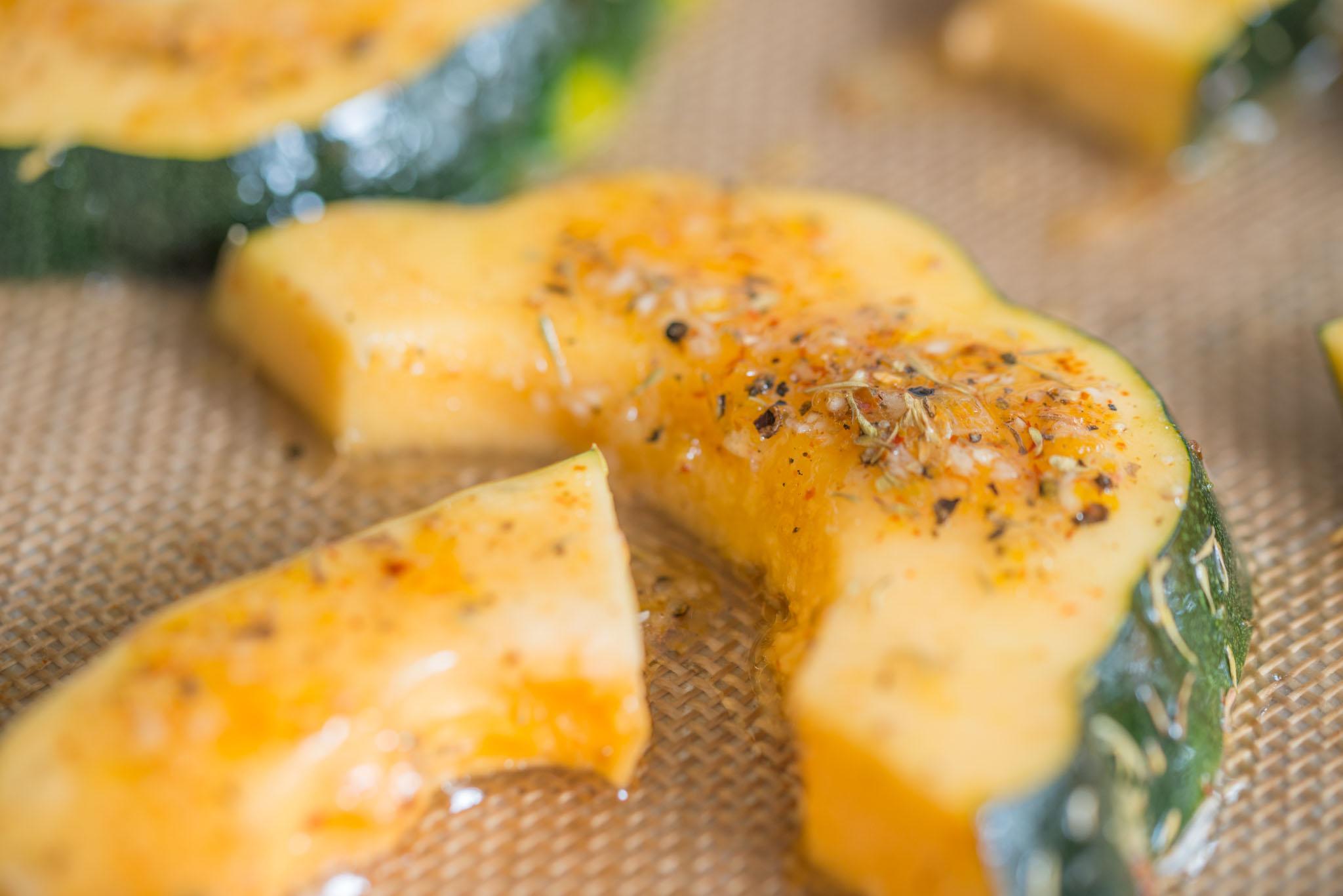 Mixed & Measured | Acorn SquashMixed & Measured | Parmesan Crusted Acorn Squash