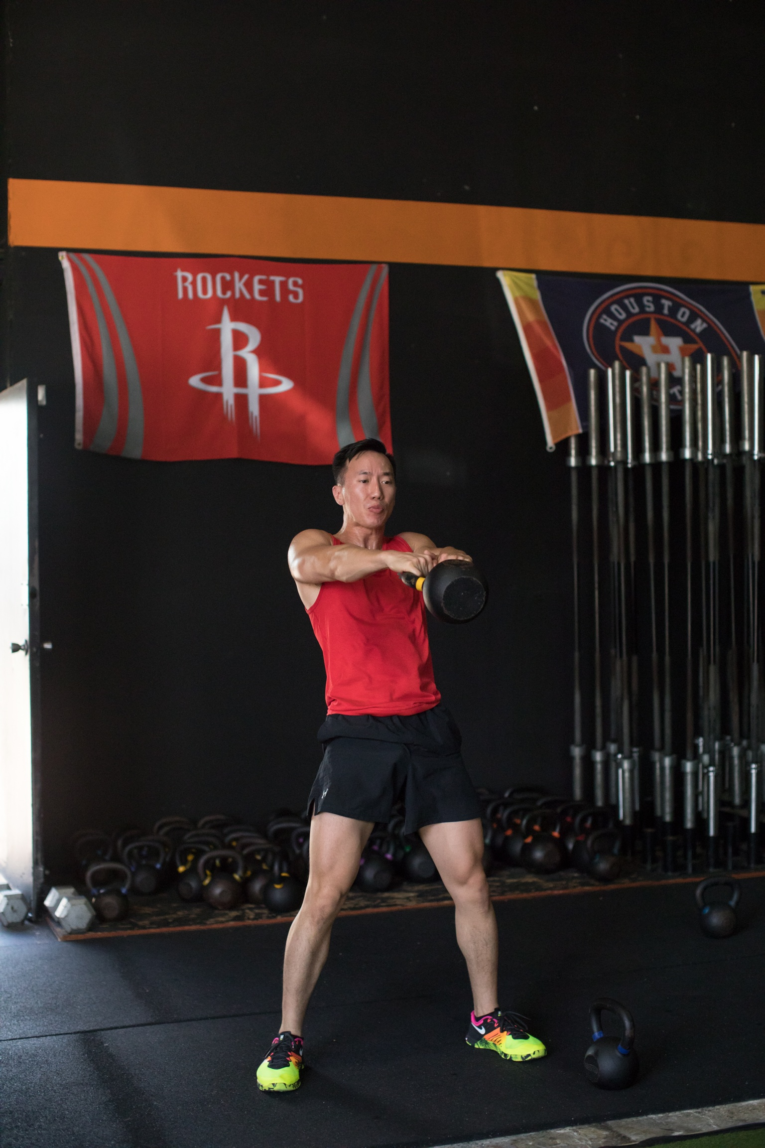 Duy is really serious with that kettlebell swing.