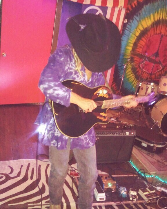 Cosmic #deadhead #shred #rocknroll #tour # outlaw #fucksocialmedia #gotalktopeople #gohearmusic #loveyall #blues