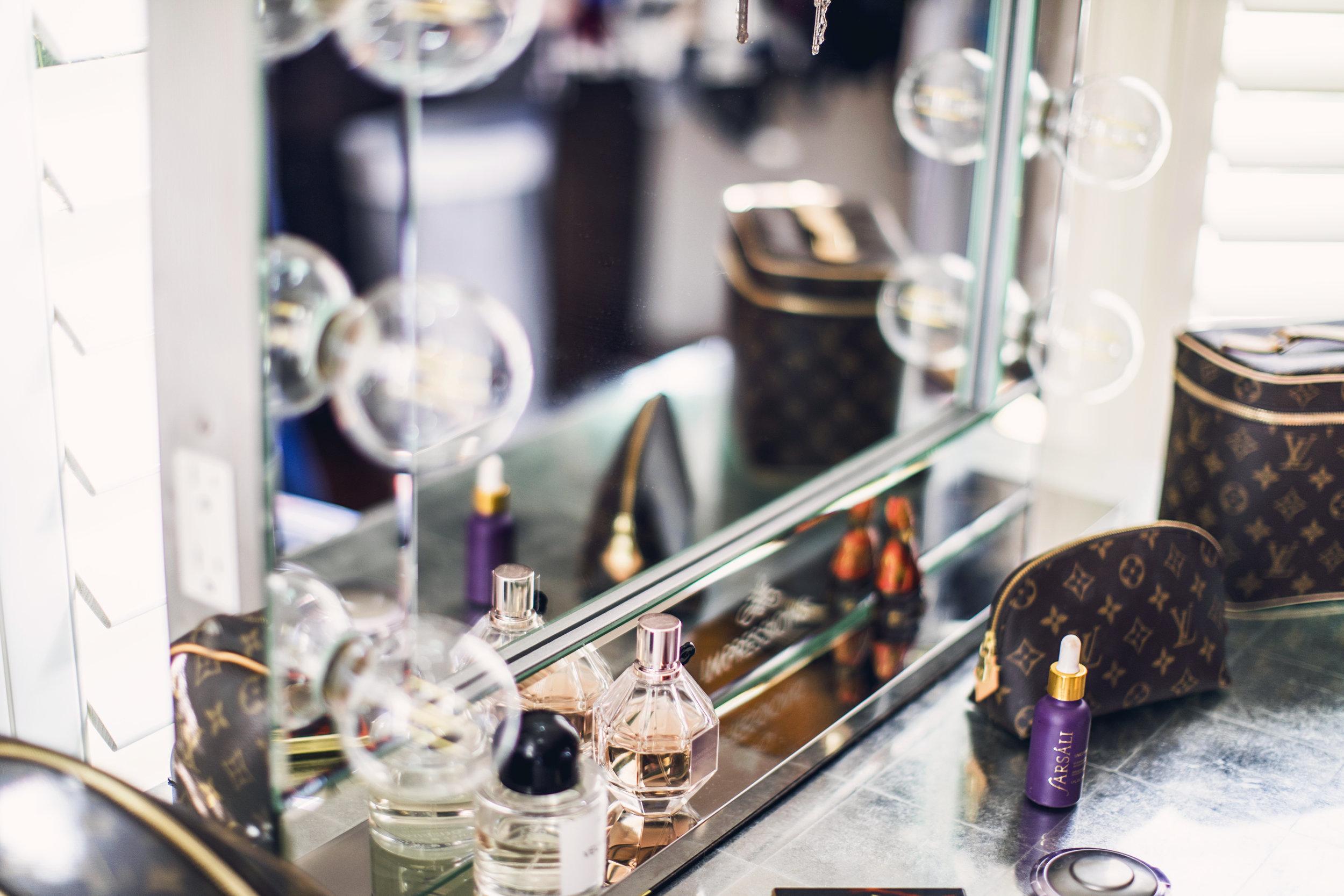 GoingGosnell.BeautyBlogger.ImpressionsMirror.jpg