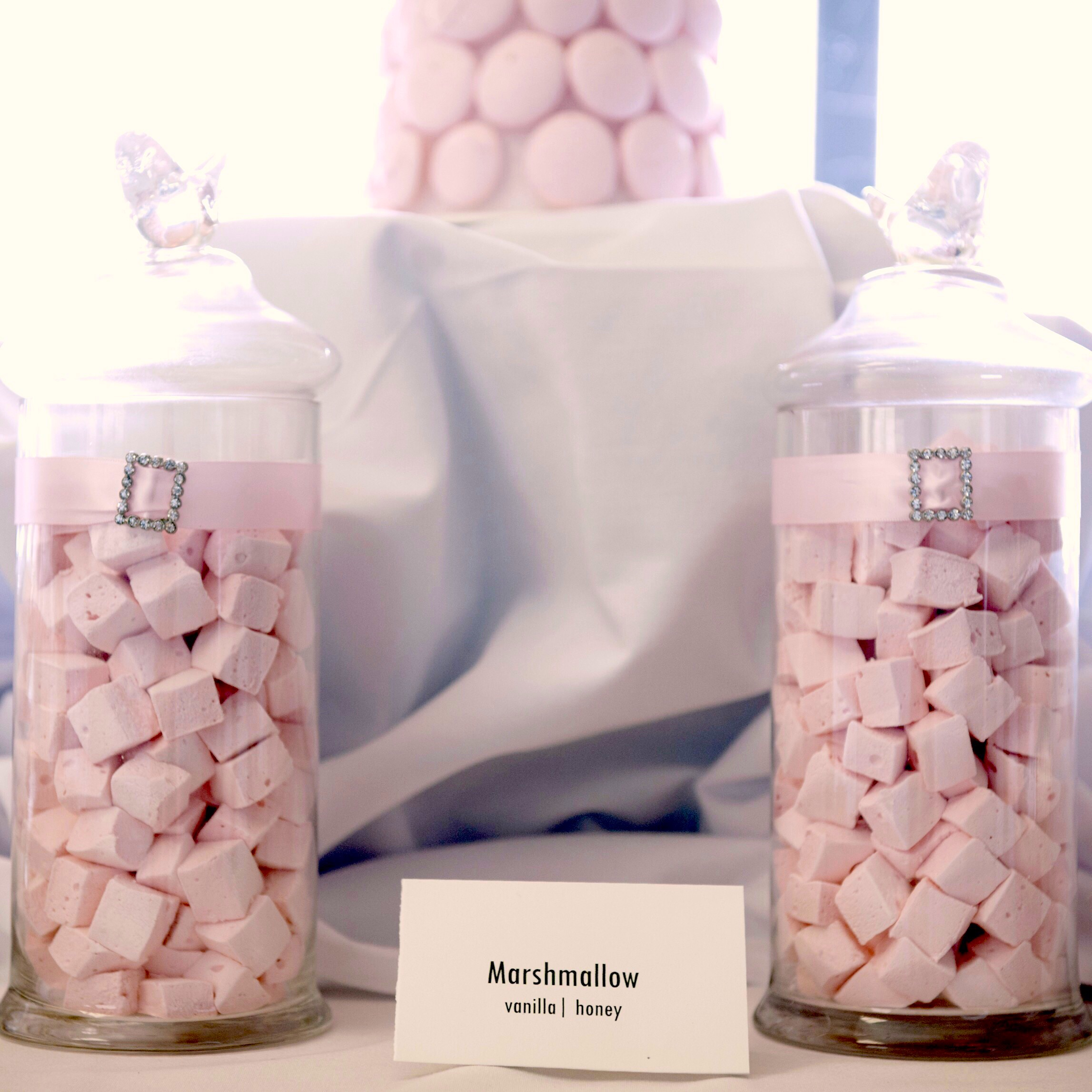 Marshmallow sweet table for wedding cake made by Gusta Cooking Studio