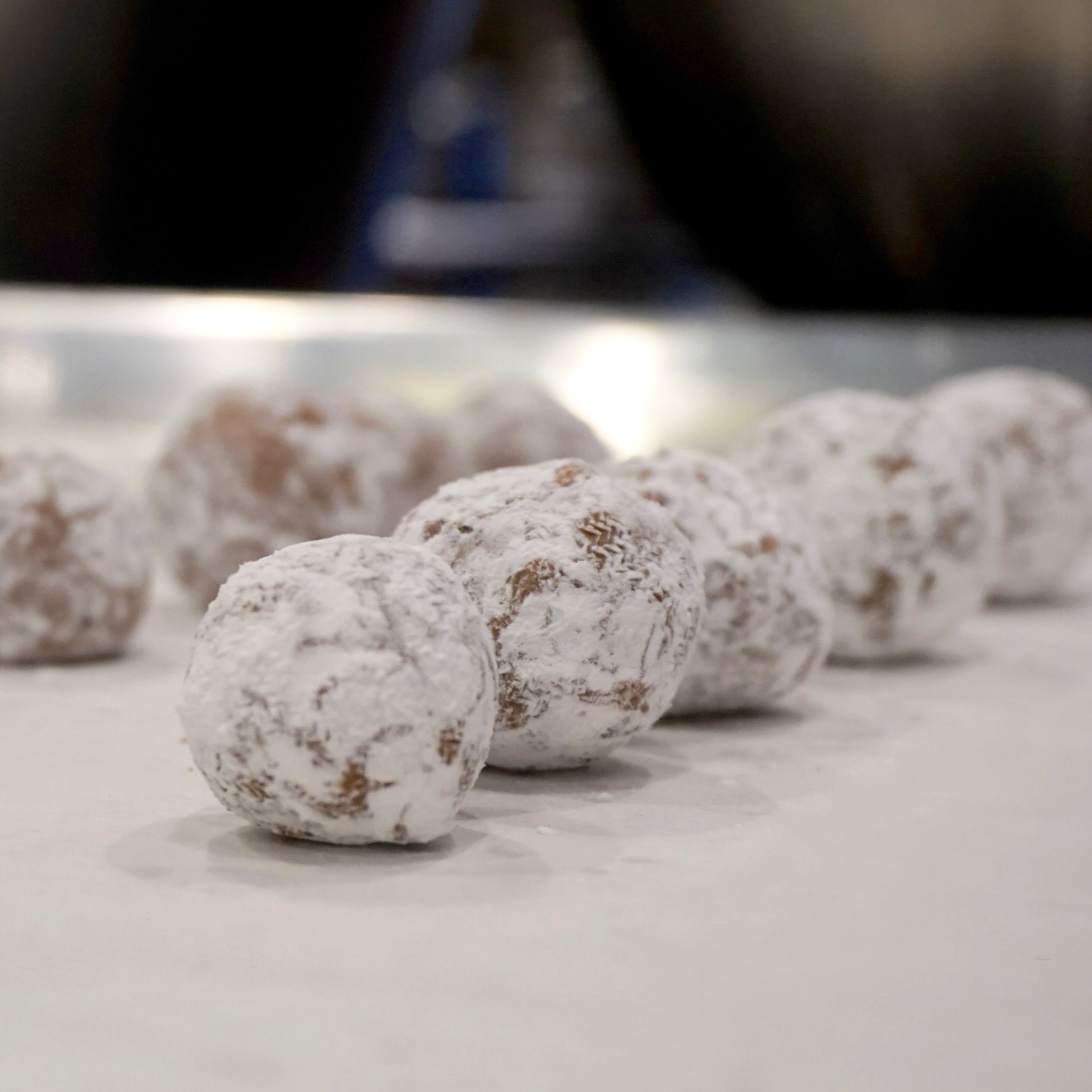 Basic Hand-rolled Chocolate Truffles