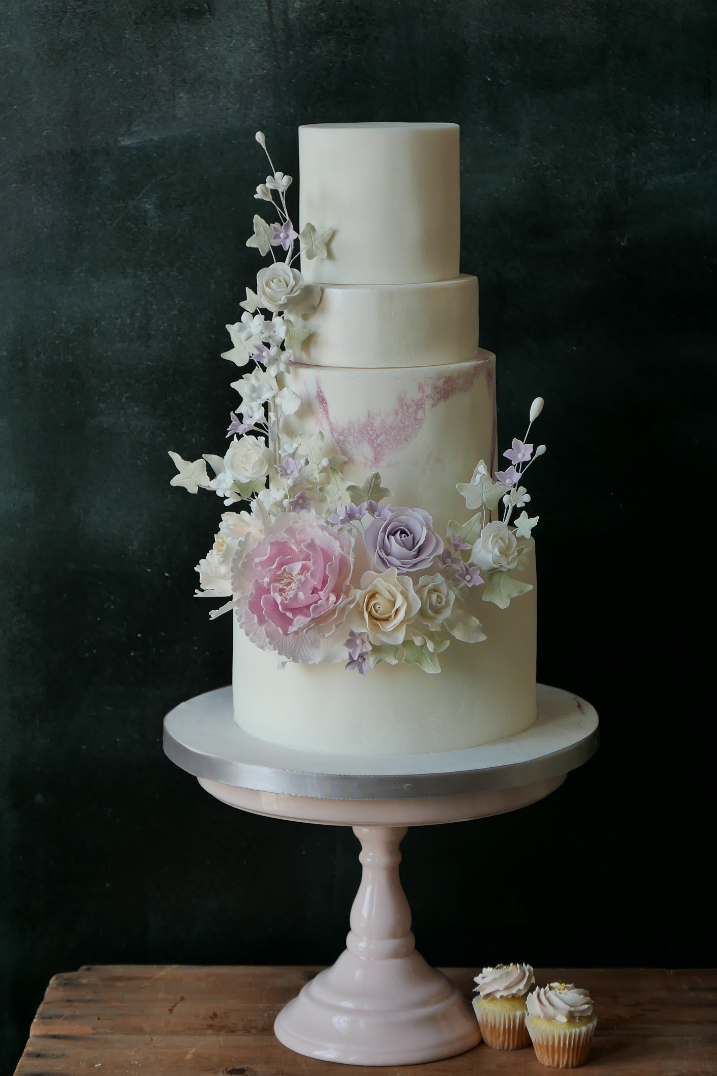 Wedding Cake by Flower & Flour Cake Design, Gusta Cooking Studio