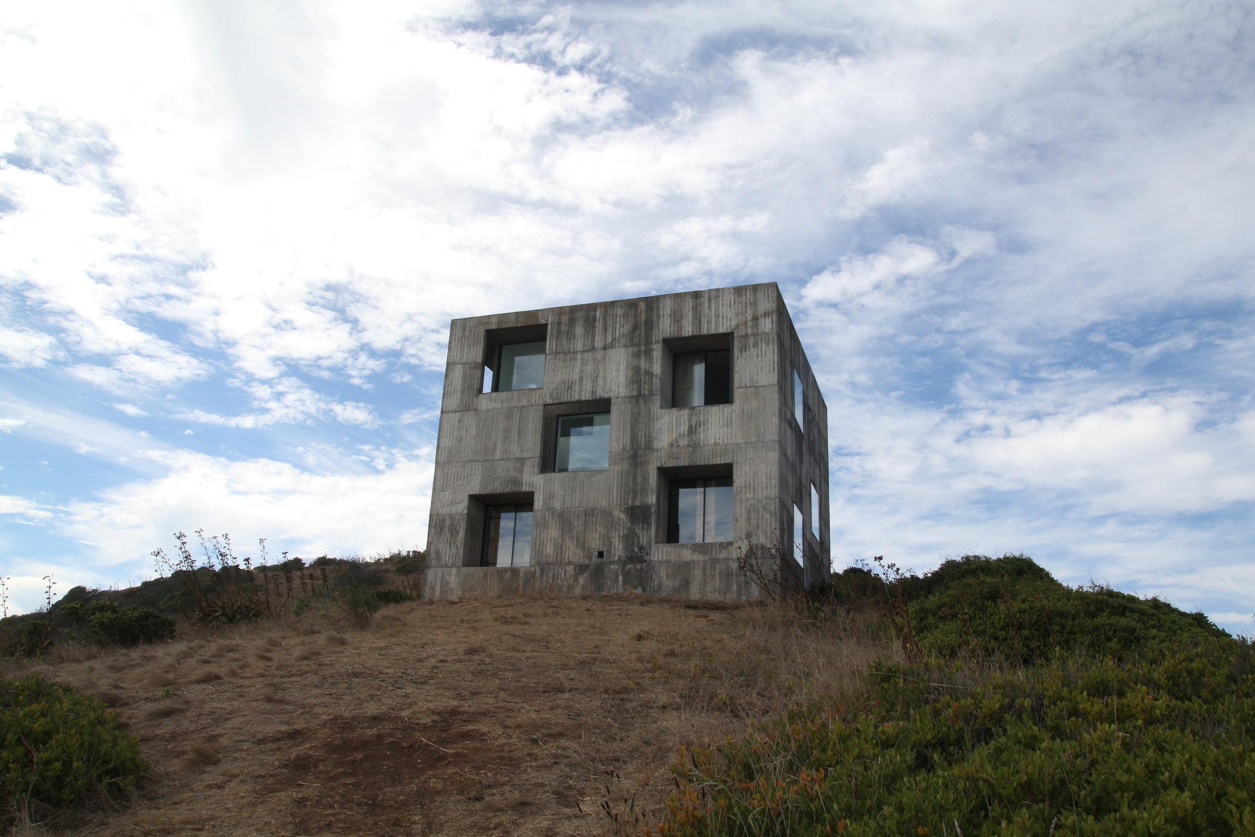 Photos credits. Photo 1 : Oscar Concha. Photo 2 - 7 Triangular Project 2015. Casa Poli.