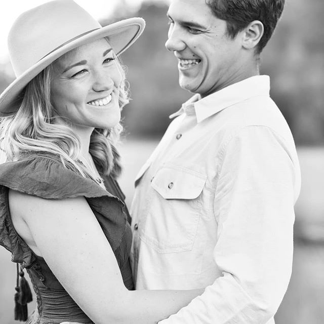 A little sneak peak into this sweet engagement session last night with these amazing humans. ❤@momoleeferrarese